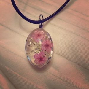 Jewelry - Light pink flower necklace
